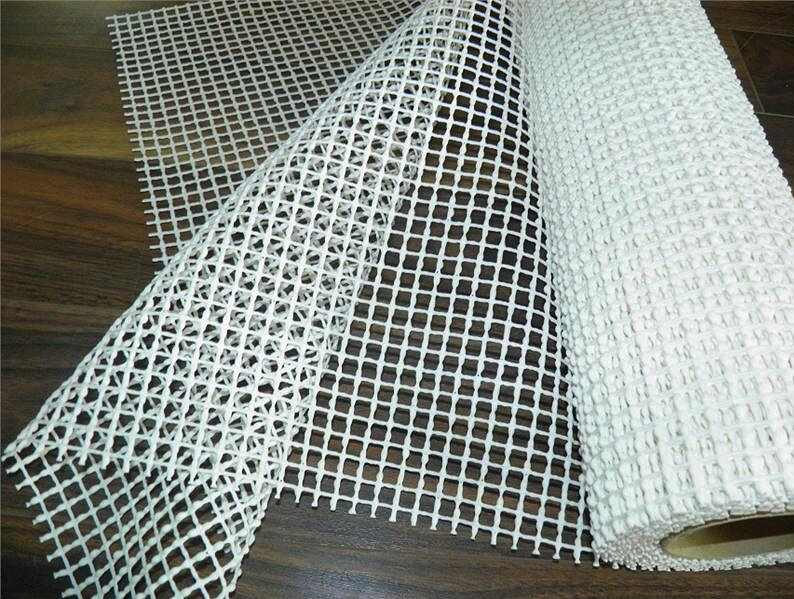 Kobercová protiskluzová podložka šíře 100 cm